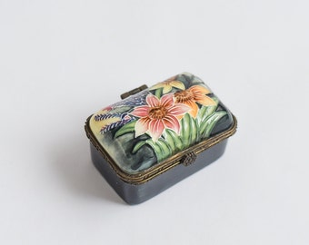 Beautiful Vintage Trinket Box Small Ceramic Gift Box Old English Tupton Ware Jewellery Box Medicine Tablet Box Gorgeous Gift