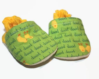 chicken baby shoes vegan baby shoes soft sole shoes newborn booties animal shoes green shoes chick toddler slippers newborn farm