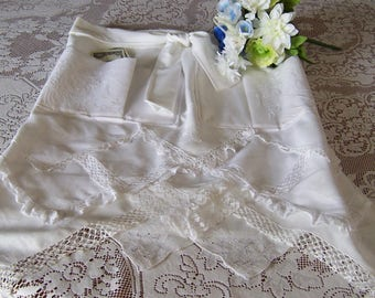 Dollar Dance Wedding Apron Bride's Apron from Vintage Handkerchiefs, Wedding Reception Money Dance, Something Old Gift, Ready to Ship
