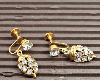Vintage earrings screwback goldtone all over crystals dainty