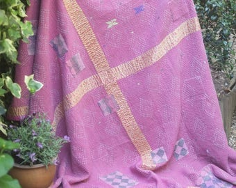 Kantha throw,Sari blanket, Vintage kantha quilt, Pink Sari throw, Kantha blanket,Boho throw