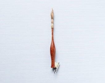 Snake Oblique Pen Holder