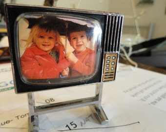 C571)  Vintage Lundby Dollhouse  TV with working light