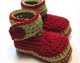 Red and green baby Christmas booties.  Ready to ship 6-12 months crochet baby booties.  Ankle boots for baby christmas.
