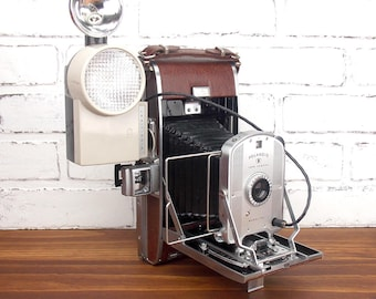 Vintage Polaroid Land Camera Model 95B with Flash Unit and Case