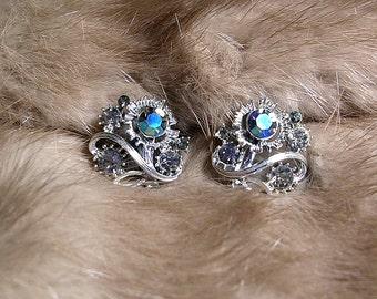 Vintage Signed LISNER  Aurora Borealis Crystal Stones. 1950's. A Collector's Treasure