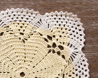 White and yellow Crochet doily, vintage Doily, Table decor, crochet centerpiece, Cotton Lace Doily