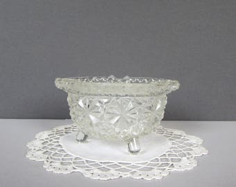Vintage Daisy and Button Clear Glass Ash Tray - Trinket Dish - Jewelry Dish