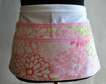 Pink Utility Apron, Vendor Apron, Teacher Apron, craft fair vendor Apron, Pink and green  apron, pink flower apron, pink and white apron