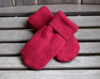 Child 6 to 10yrs Wool Mittens, Sweater Mittens, Upcycled Wool Sweater Mittens, Fleece Lined, Dark Raspberry Pink