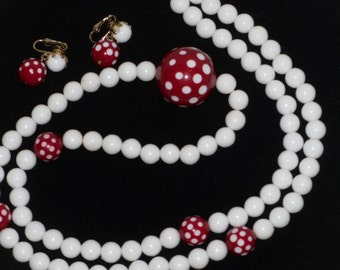 Red White Polka Dot Bead Necklace Earrings Set Mod Jewelry Vintage