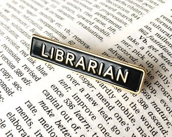 Librarian Enamel Pin Badge - Book Lovers Brooch - Badge for Book Worm - Funny Pin Badge, i like books, i like to read pin
