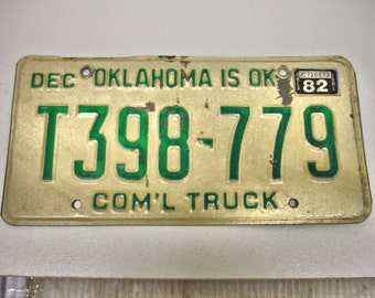 Vintage 1982 Oklahoma License Plate Com'l Truck Plate T398779