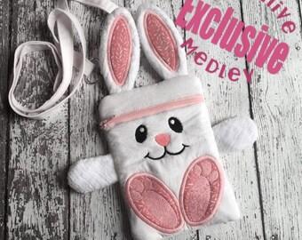 In the hoop Bunny Zipper Bag