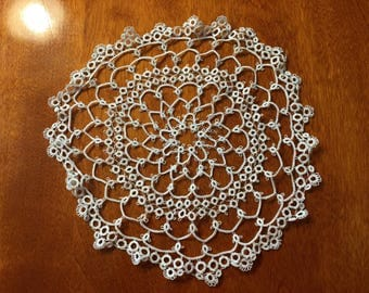 Vintage 9 inch White Hand Tatted Crochet doily for crafts, housewares, kitchen, dining, home decor by MarelenesAttic