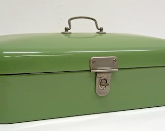 Green enamel vintage bread box.