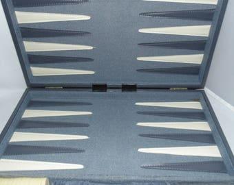 Vintage Pressman BACKGAMMON Game set Case Briefcase style Grey Gray color 20 x 15 Like new