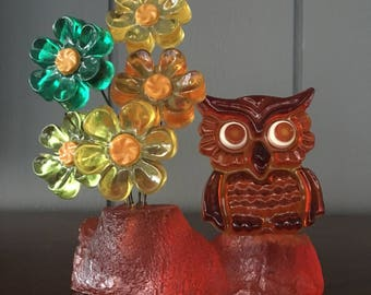 Funky Retro Vintage 1960s Lucite Resin Owl with Wired Daisy Flowers Figurine