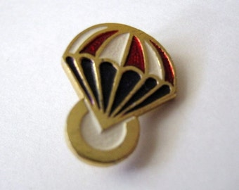 Vintage USSR  Soviet union cute pin parachuting