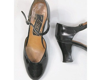 Jimmy 1970 MARY JANES  black patent leather US7 Fr38