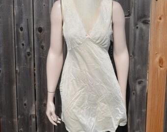 Yellow Nightie, Size Medium, Vintage Women's Nightgown, Adonna Lingerie, Ladies' Yellow Nightgown, Women's Medium, Nylon Gown