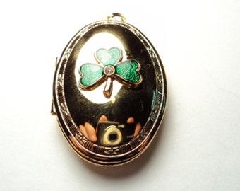 1 pc - Gold plated Shamrock oval lockets with rhinestone - gpsp