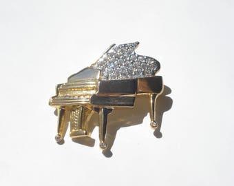 Vintage Rhinestone Piano Brooch - Gold Tone Music Pin - Retro Costume Jewelry 1980s