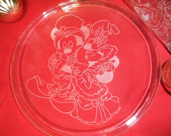 Set of 4 Victorian Mickey & Minnie Mouse Christmas Etched glass plates