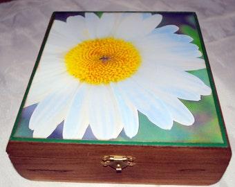 Wooden photo jewelry box, keepsake box, treasure box daisy photograph