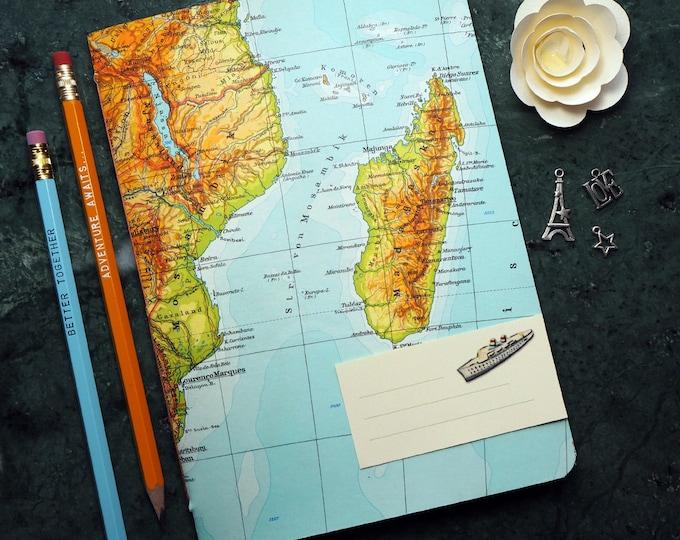 TRAVEL JOURNAL Afrika, Kenia, Tansania, Madagascar, 5,7x8,2inch, 40 p. RULED travel journal, diary, notebook, atlas, map, vintage, upcycling