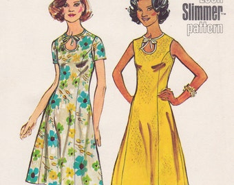 """FF 1970s Bust 41"""" Princess Dress with Keyhole Neckline, Fit and Flare Vintage Sewing Pattern [Simplicity 5678] Size 18.5, UNCUT"""