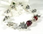 Silver Honey Bee Bracelet with Heart Beads, Heart Bracelet, Bee Keeper Nature Bracelet, Bee Jewelry, Honey Bee Gifts, Gardener Jewelry