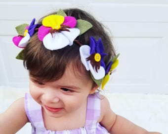 Pansy halo, grapevine crown