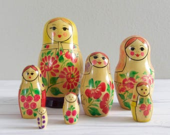 Vintage Russian Nesting Dolls Beriozka Matroyshka