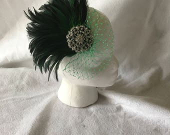 Emerald Green Wedding feather Hair Fascinator Clip, Feather Headband, Feather Hair Clip, Wedding Accessories, Gifts for her, short hair