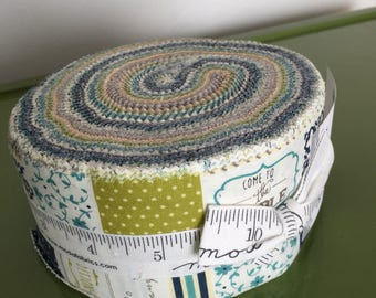 """Moda Sunday Supper by Sweetwater 2.5"""" x WOF Jelly Roll Bundle"""