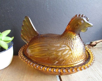 Amber Glass Vintage Chicken Dish With Beaded Rim