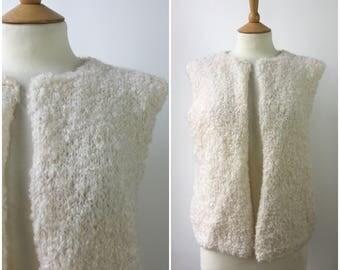Vintage 1960s Cardigan - 1960s Handknitted Boucle Gilet - 60s White Wool Bobble Knit - Bohemain Boho Gilet - Onesize  -