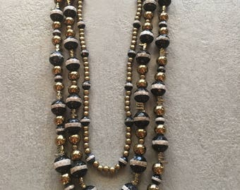 Beaded necklace with 3 strands