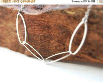 20% OFF SPRING SALE Puakai necklace - sterling silver oval link necklace, delicate silver layering necklace, oval link necklace, made in mau
