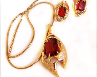 Designer Demi Parure  Vintage SARAH COVENTRY Necklace Clip Earrings 1960's Sarah Coventry Molten Topaz Book Piece Art Nouveau Style