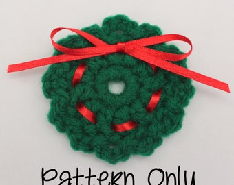 Crochet Wreath Pin Pattern - Crochet Pin Pattern - Christmas Wreath Pattern - Craft Fair Item Pattern