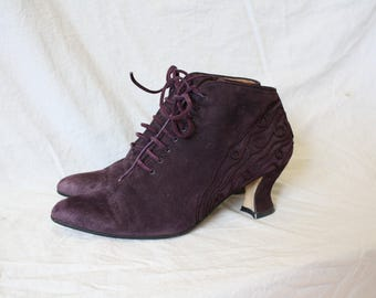 Vintage Purple Suede Ankle Boots / 1980's Fancy Granny Boots / Italian Suede Leather Merlot Boots / 1980's Ankle Booties 7