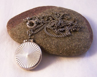 Vintage Silver Engine Turned Locket Necklace, Geometric Locket, Small Silver Locket, Round Locket, Silver Photo Locket, 21 Inch Chain