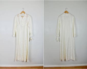 NWT, NOS Vintage White Long Nightgown, Vintage Old Style Gown
