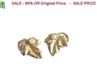 SALE - 60% Off Original Price.   Star Faux Pearl Brushed Goldtone Screw Back Earrings