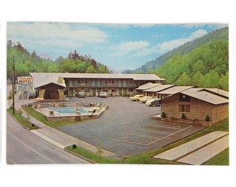 Vintage Postcard Highland Motel Gatlinburg, Tennessee