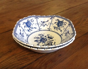 Pair salad cereal bowls Johnson Bros Brothers Indies England blue white transferware English china country cottage chic farmhouse serveware