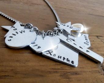 Grandkids Necklace, Grandchildren Necklace, Gift for Grandma, Kids Names Necklace, 7 Names Necklace, Seven Charms Necklace, Gift for Grandma