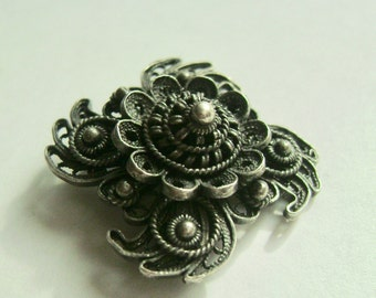 sweet old spun silver brooch/pendant
